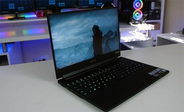 Геймерские ноутбуки с экраном 144 Гц - Gigabyte Aero 15X v8