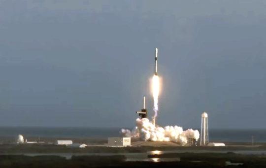 SpaceX отправила на орбиту еще 60 спутников Starlink [видео]