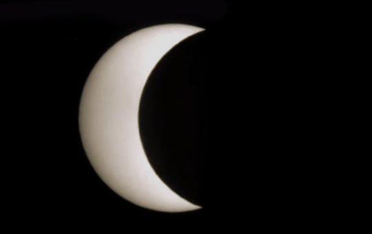 Солнечное затмение 21 июня 2020 года [видео]