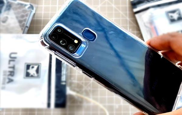 Чехол для Galaxy M31: полностью прозрачный Ultra Clear Soft всегда в тренде?