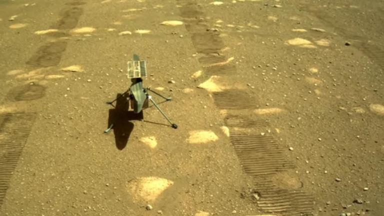 Вертолет Ingenuity успешно переночевал вне марсохода [видео]