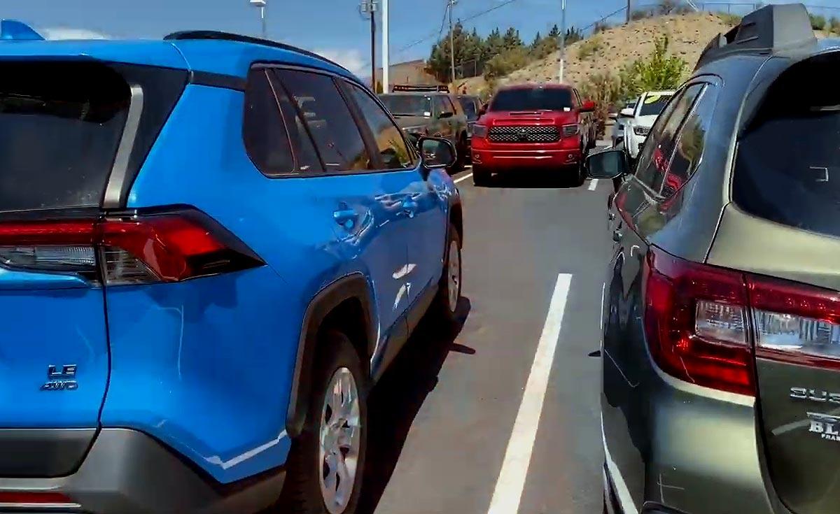 Больших GM в США осталось на 3 недели, а Toyota 4Runner - на неделю?