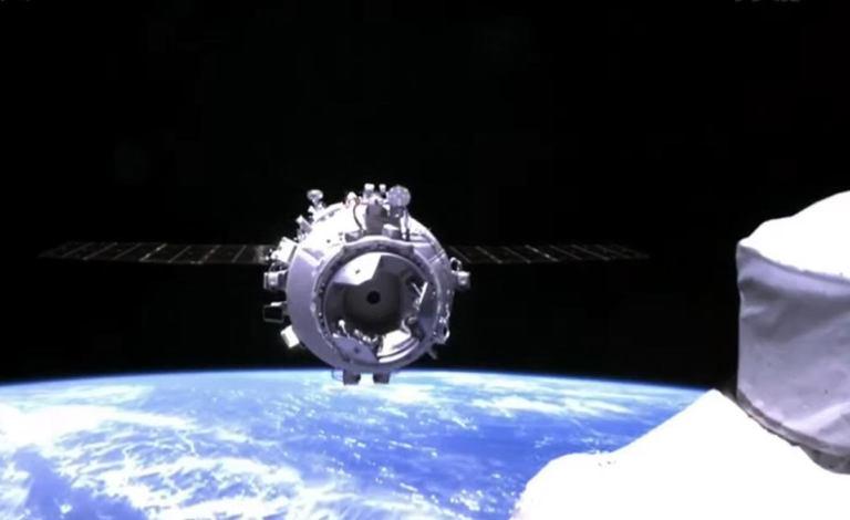 """Пилотируемый """"Шэньчжоу-12"""" состыковался с орбитальной станцией КНР"""