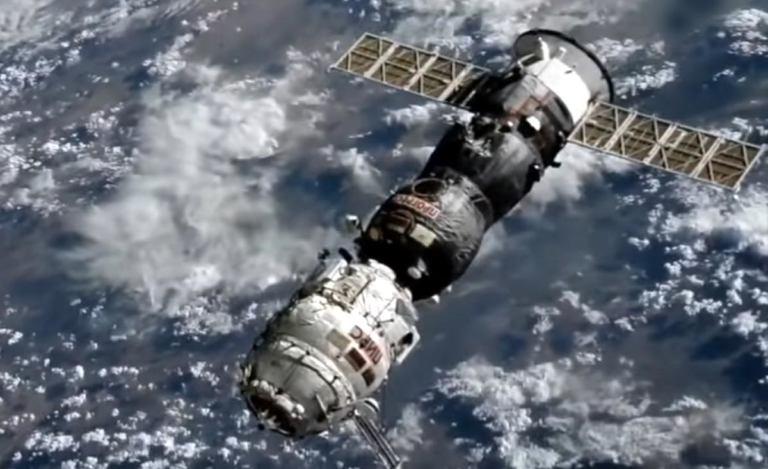 "Модуль ""Пирс"" успешно сведен с орбиты [видео]"