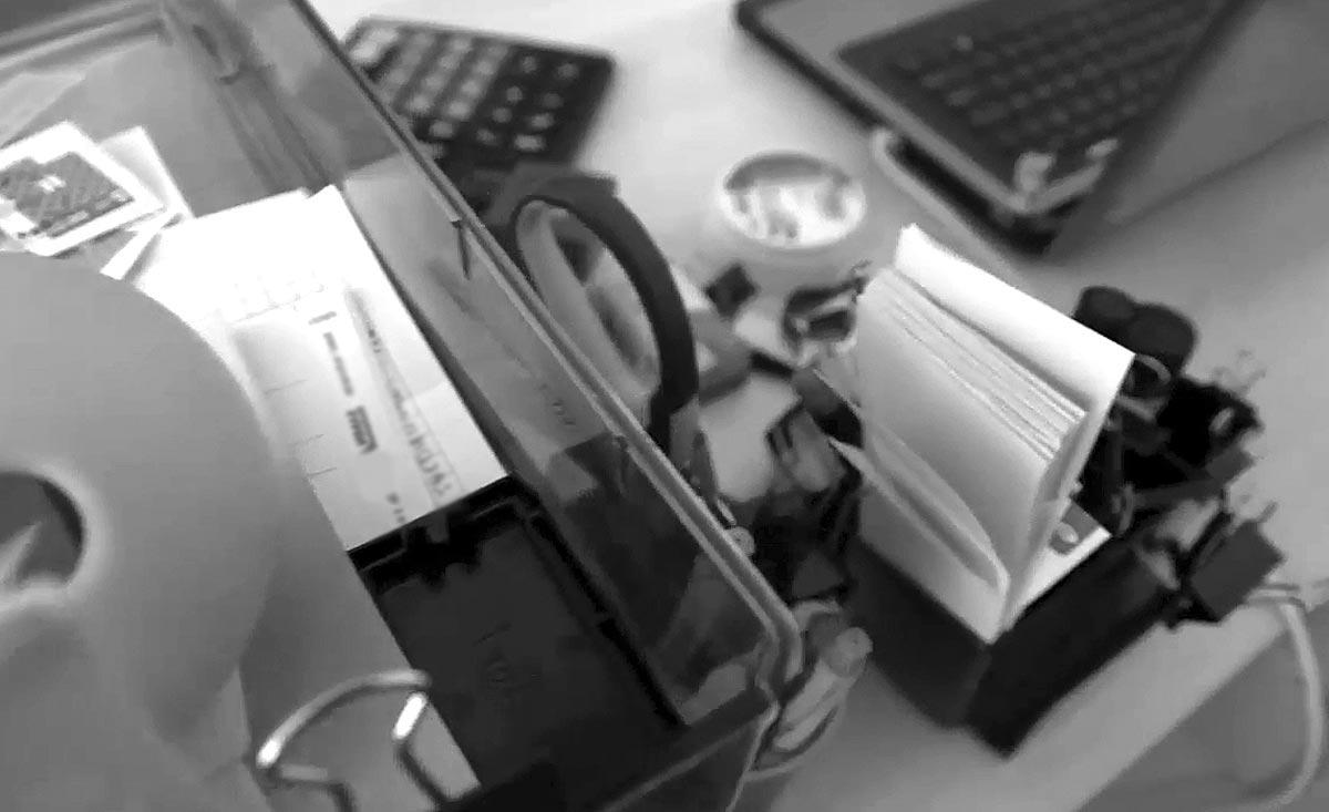 Канцтовары для офиса: как организовать всё и всем правильно?