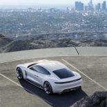 Porsche Mission E будет, но будет называться по-другому [видео]