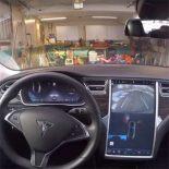 Как выглядит на деле опция автопарковки Tesla Model S [видео]