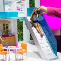 Интернет вещей и личный ховерборд: у Барби намечается hightech-прорыв [видео]