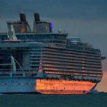 Harmony of the Seas — самый большой в мире пассажирский лайнер впервые вышел в море [видео]
