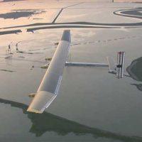 Солнечный Solar Impulse завершил свой перелет вокруг земного шара [видео]