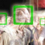 Нейросеть обучилась распознавать размытые лица на фото