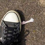 Как отлепить жвачку от подошвы: немного способов