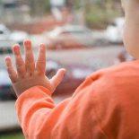 Ребенок и окно: как обезопасить и защитить
