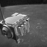 Специалисты NASA нашли два спутника, потерявшихся на орбите Луны [видео]