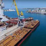 Севморзавода вывел на воду плавопоры для Крымского моста [видео]