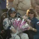 Посадка спускаемого аппарата «Союза МС-04» [видео]