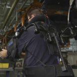 Об использовании экзоскелетов в промпроизводстве на примере Ford