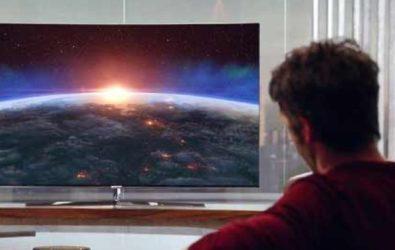 В чем различие между OTT и IPTV телевидением?