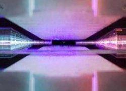 Одиночный атом в ионовой ловушке – победитель научного фотоконкурса [фото]