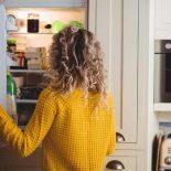 Як вибрати зручний холодильник для маленької кухні