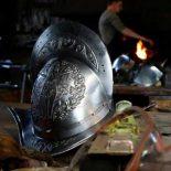 Гвардейцам Папы представили шлем, напечатанный на 3D-принтере