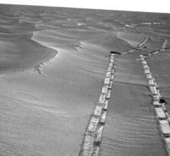 Панорама марсианской Долины Настойчивости от NASA и Opportunity [фото]