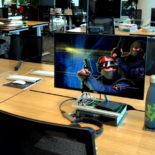 В какие игры играют американцы в рабочее время и сколько?