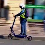 Минтранс РФ может запретить электросамокаты и гироскутеры на тротуарах