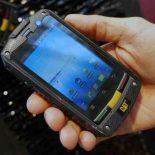 CAT B10: защищенный смартфон от производителя бульдозеров — обзор