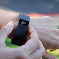 Как синхронизировать спортивный браслет Fitbit Force с Android-устройствами