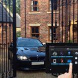 ворота с электронной системой управления и домашняя безопасность