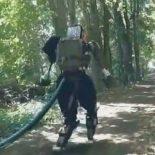 Лесные испытания нового человекоподобного робота Boston Dynamics [видео]