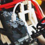 Лего батарейка BuWizz для мобильных систем и конструкторов Лего [видео]