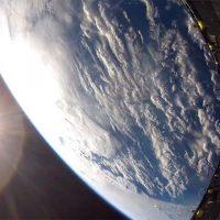 Космический вальс в исполнении носового обтекателя Falcon 9