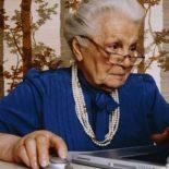 hitech — подарок бабушке на новый год: с любовью и заботой